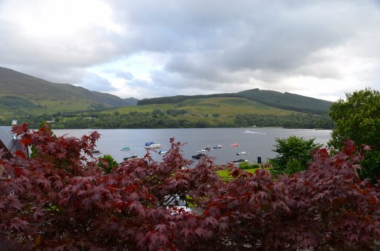 Lochearnhead, UK: The view of the lake from the hotel
