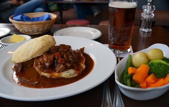 Lochearnhead, UK: Steak and Ale Pie