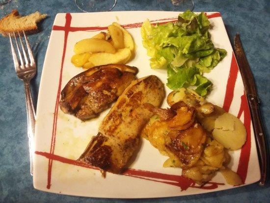 Salignac-Eyvigues, Франция: Foie gras poêlé