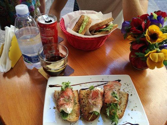 Arco Rosso: bruschetta speck. toast classico