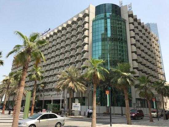 Hilton Dubai Jumeirah : Front of Hotel