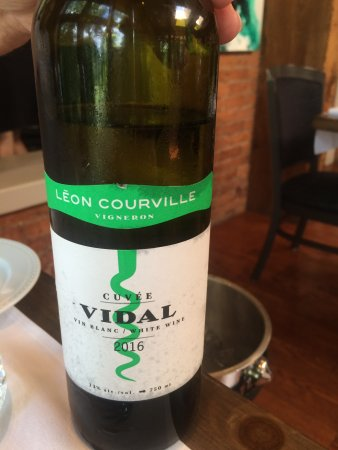 Brome, Canada: Local white wine--excellent!