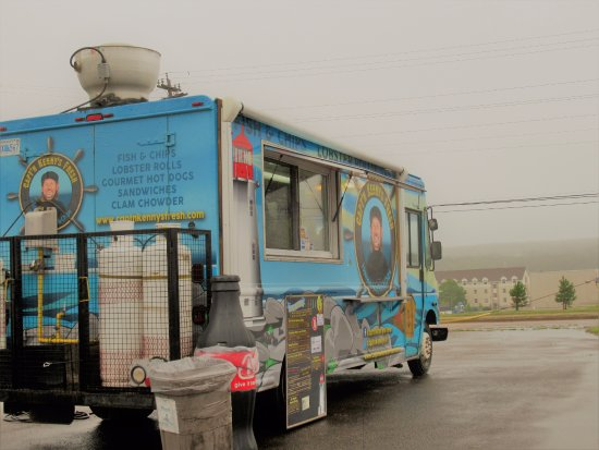 Arichat, Canadá: Capt'n Kenny's food truck