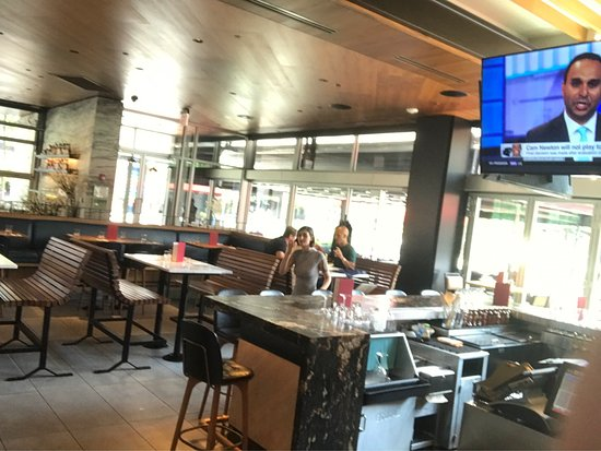 Photo0 Jpg Picture Of Earls Kitchen Bar Chicago