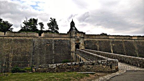 Blaye, France: La porte Dauphine.