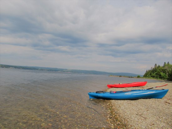 Temiscouata-sur-le-Lac, Canadá: Kayaking in Lake Temiscouata