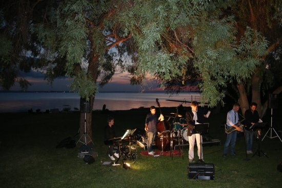 Zero7cinque Lago: Live music