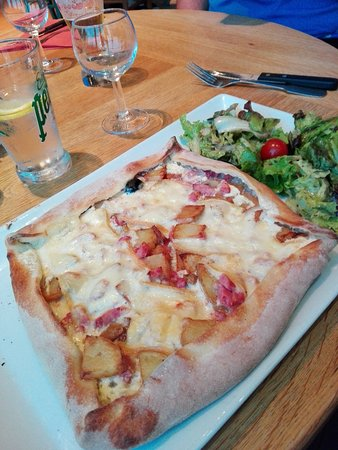Auxerre, France: TablaPizza