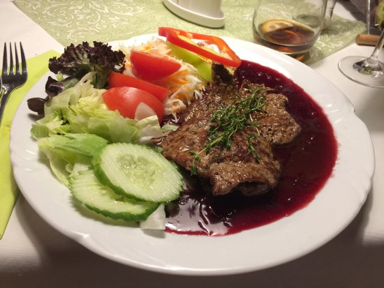 Nitra, Slovakia: Fulfilling portions and nice service. Haluski and beef with berry and wine sauce.