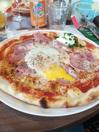 Petite-Foret, Frankrijk: pizza