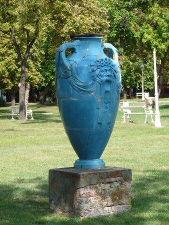 Palic, Serbien: Blue vases