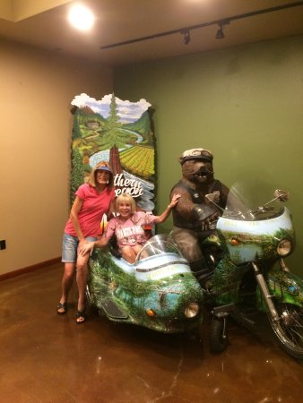 Grants Pass, Oregón: The Harley Bear Sisters