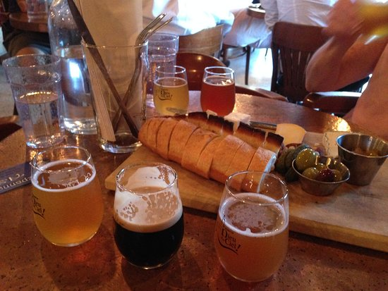 Dieu du Ciel : trio of beer and cheese board