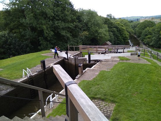 Five Rise Locks Hotel Photo