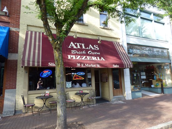 Atlas Brick Oven Pizzeria: I wanted to try a brick oven pizza. So glad we did. It was excellent!