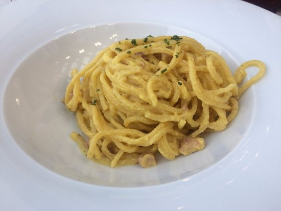 Tessera, Italia: Pasta -- the bowl was quite deep, so there is more than appears!