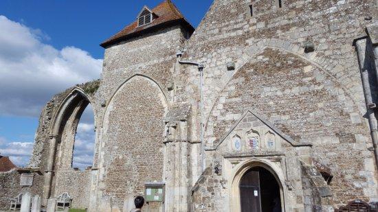 Winchelsea, UK: Exterior of church