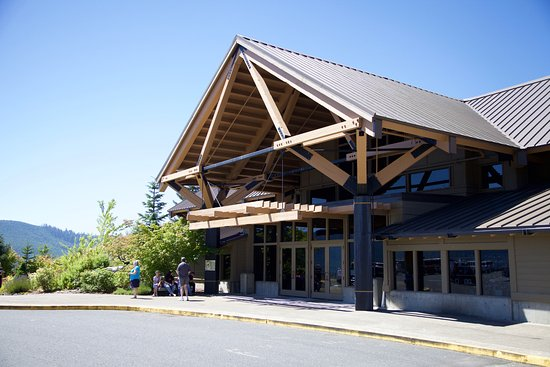 Castle Rock, WA: Exterior of Learning Centre - Lots of parking available
