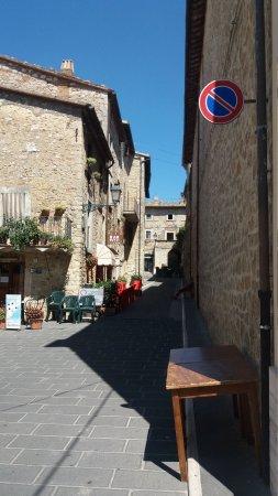 Civitella del Lago, Italy: Un Posto da visitare tutto il anno,e soprattutto mangiare al bse mangia e bevi non può mancare.v