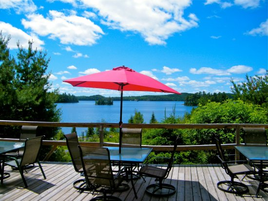 Elliot Lake, Canada: Dine on our one of a kind patio, with the million dollar view.