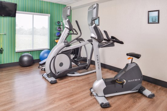 Holiday Inn Express & Suites Parkersburg - Mineral Wells: Fitness Room