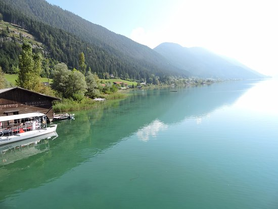 Weissensee, Áustria: het best wel donkere water