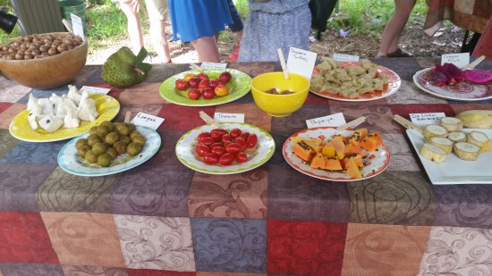Kilauea, Hawaï: Fruit table provided when you arrive