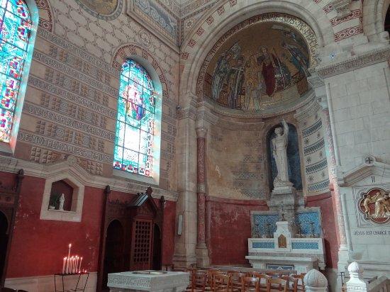 Albert, Frankrig: Une chapelle latérale