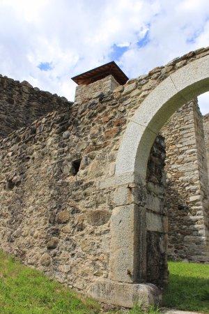 Ossana, Italia: Dalle mura esterne