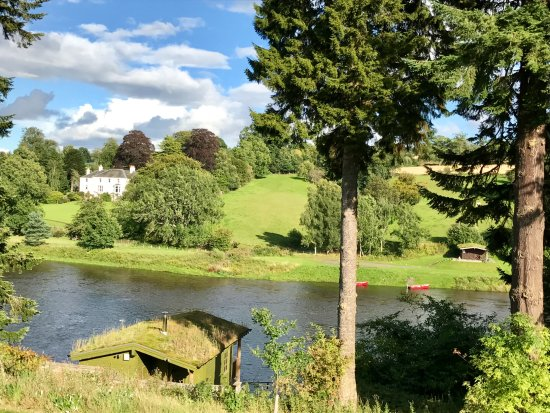Stanley, UK: View over the River Tay from our Riverside room