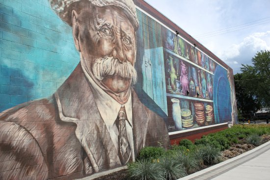 One of the many beautiful murals located in Downtown Vernon