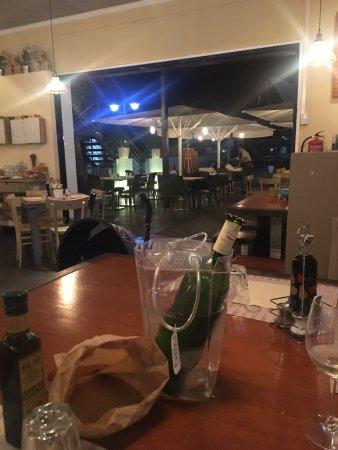 Cena genial ! Ambiente tranquilo y comida bien! Normal!
