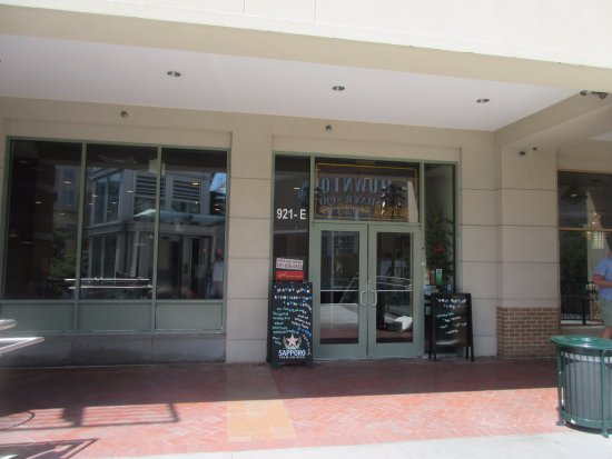 Silver Spring, MD: Entrance on the second floor of the building