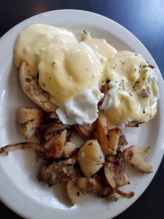 Bob's Diner: eggs blackstone