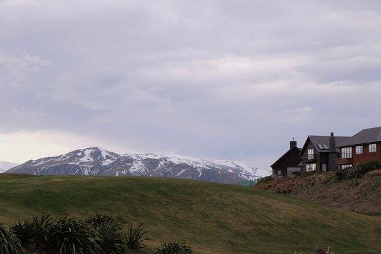 Windwhistle, Nova Zelândia: Snow caped scenery