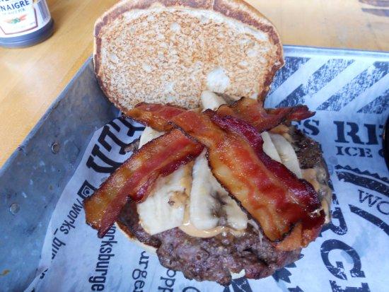 Brantford, Kanada: Hunka Hunka burger