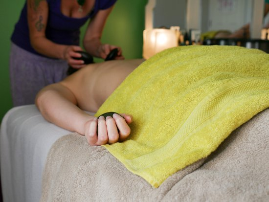 Hanmer Springs, New Zealand: Enjoy a deeply relaxing fusion & hot stone massage