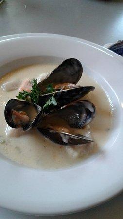 Georgetown, Canadá: Seafood chowder $12