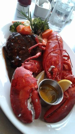 Georgetown, Canadá: Steak and lobster $63