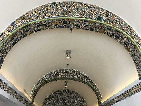 Hotel St. Michel: mosaic work in hotel lobby