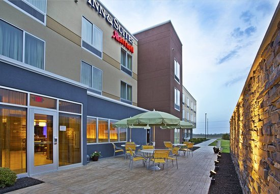 Jeffersonville, OH: Outdoor Patio