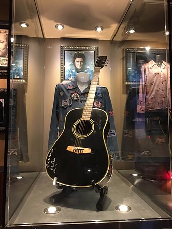 Hard Rock Cafe Four Winds: photo2.jpg