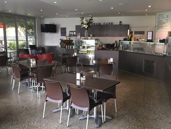 Burwood, Australia: Indoor seating area