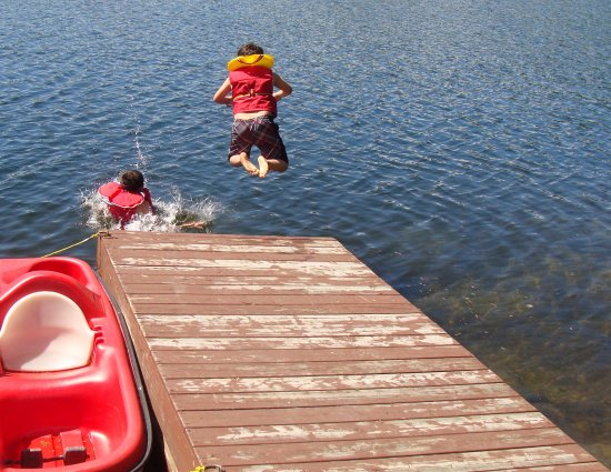Saint-Adolphe-d'Howard, Canada: Enjoy a swim in Lac Vigt Sous located at our doorstep.