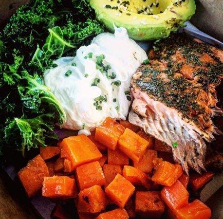 Burleigh Heads, Australia: Locally Smoked Salmon Paelo Breakfast