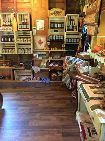 South Baymouth, Canada: honey, maple syrup,, knitting and quilting
