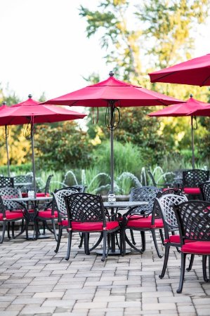 Livingston, NJ: Exterior seating area at Westminster Hotel