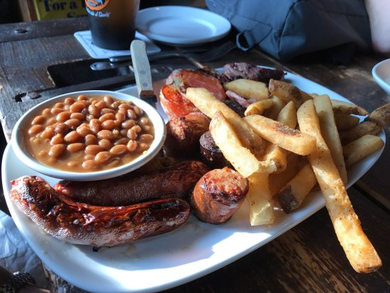 May Kelly's Cottage Restaurant and Pub : Great food, fun atmosphere, excellent service