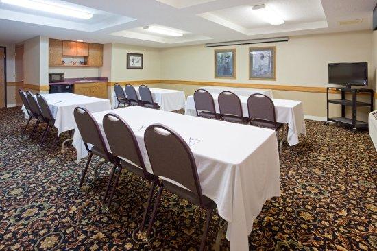 Americ Inn White Bear Lake Meeting Room