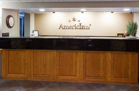 Ankeny, Iowa: Americ Inn Ankeny Front Desk